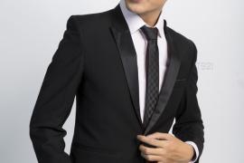 Cà vạt đen - Xu hướng thời trang tối giản